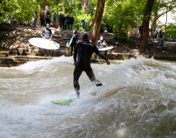 Hop On Hop Off München Eisbach 4